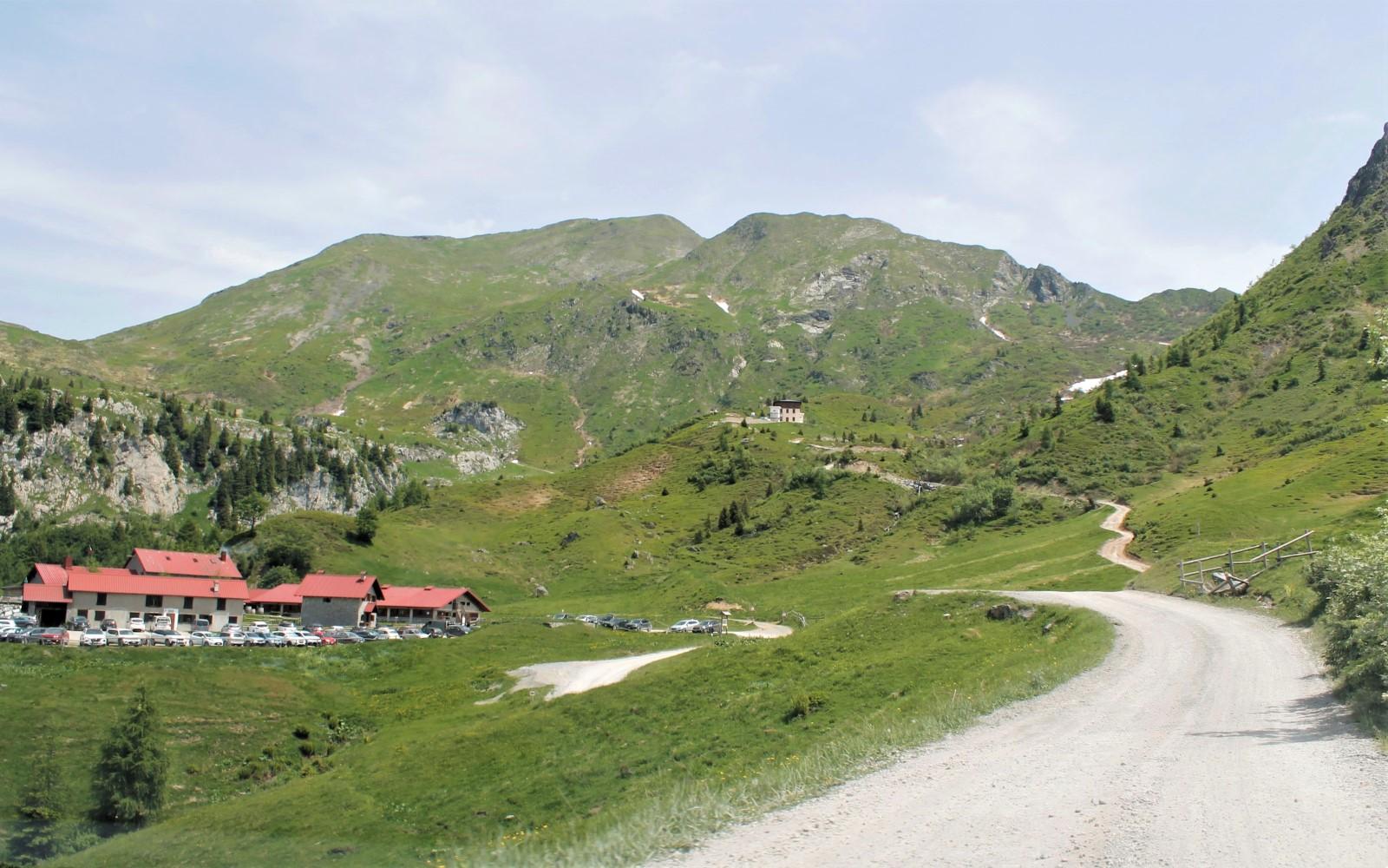 De weg naar Malga Pramosio