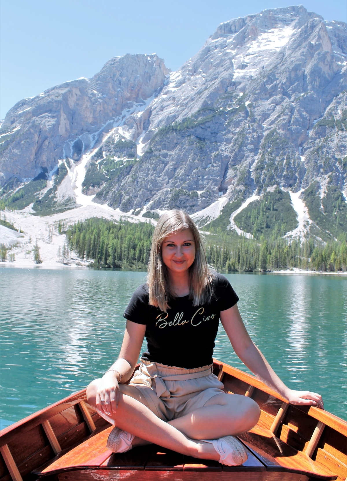 Isabel tijdens een boottocht op Lago di Braies